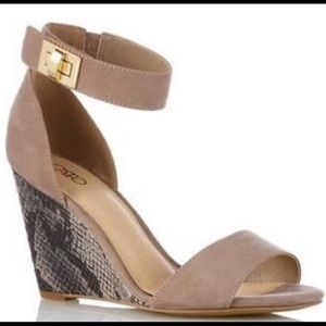 Cato wedges with snakeskin